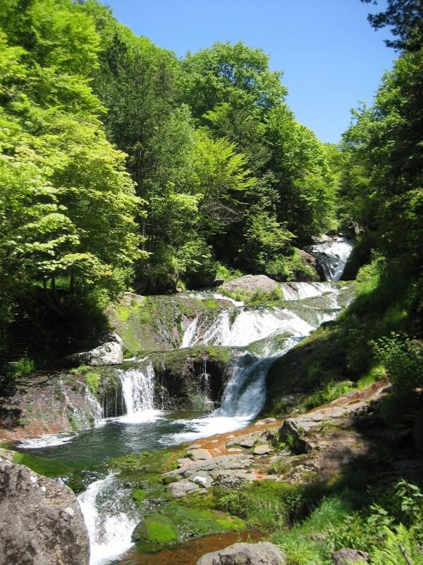 おしどりかくしの滝1